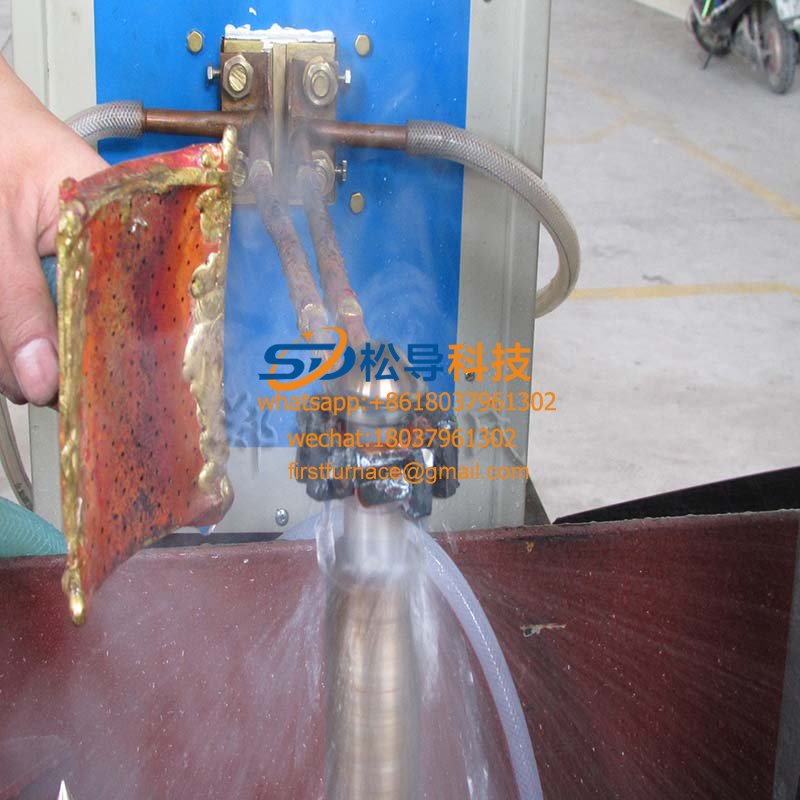 Piston rod quenching special equipment
